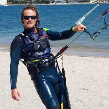 Kite Village Sardegna - Sebastian istruttore Kitesurf Punta Trettu