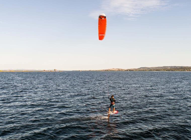 Scuola Kitesurf Sardegna Punta Trettu - Lezioni Hydrofoil
